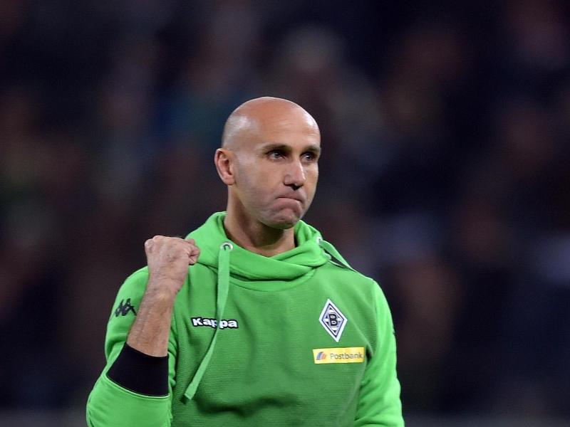 Fuhr bei seinem Trainer-Debüt in der Bundesliga mit Mönchengladbach drei Punkte ein:André Schubert. Foto: Federico Gambarini