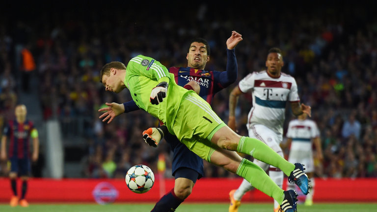 Neuer beats Barcelona