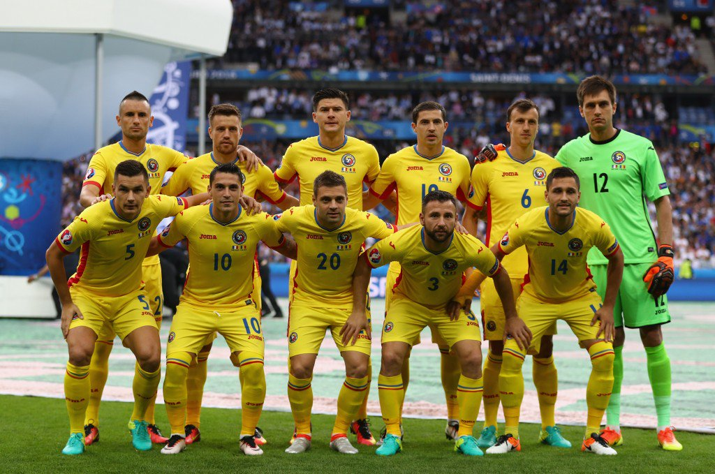 PARIS, FRANCE - JUNE 10: Romania playersr line up for the team photos prior to the UEFA Euro 2016 Group A match between France and Romania at Stade de France on June 10, 2016 in Paris, France. (Photo by Clive Mason/Getty Images)