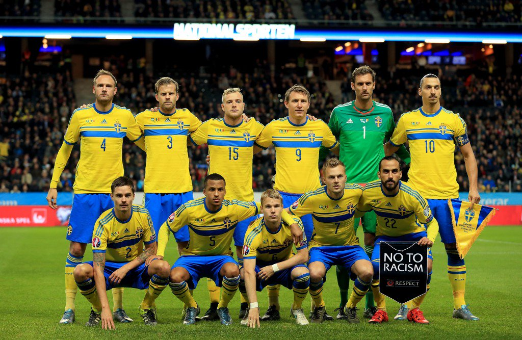 STOCKHOLM, SWEDEN - OCTOBER 12: Sweden team group during the UEFA EURO 2016 Qualifying match between Sweden and Moldova at the National Stadium Friends Arena on October 12, 2015 in Stockholm, Sweden. (Photo by Stephen Pond/Getty Images)