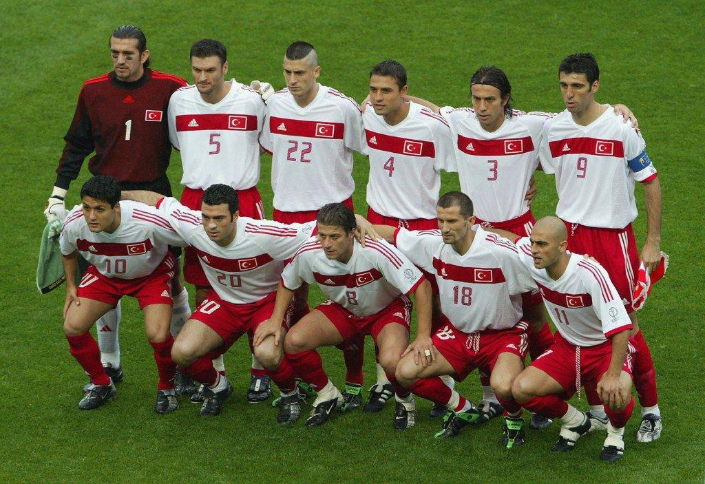MIYAGI - JUNE 18: Turkish team group before the Japan v Turkey, World Cup Second Round match played at the Miyagi Stadium, Miyagi, Japan on June 18, 2002. Turkey won the match 1 - 0. (Photo by Koichi Kamoshida/Getty Images)