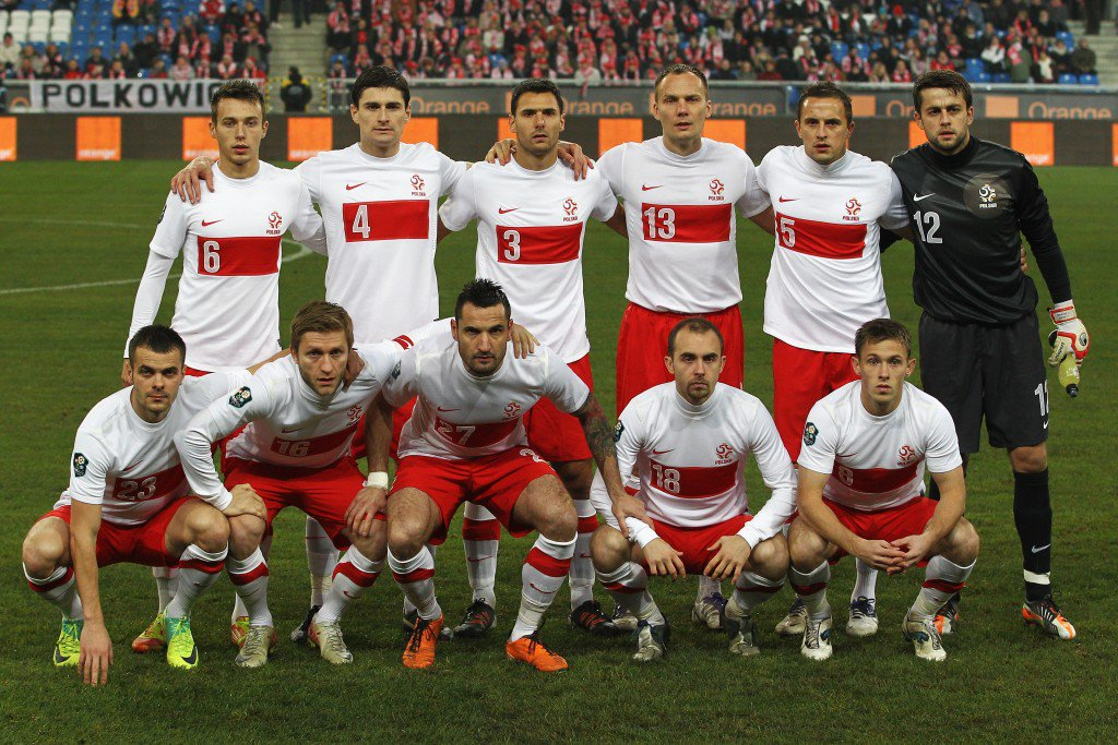 POZNAN, POLAND - NOVEMBER 15: Poland line up prior to the International Friendly match between Poland and Hungary at the Miejski Stadium on November 15, 2011 in Poznan, Poland. (Photo by Dean Mouhtaropoulos/Getty Images)