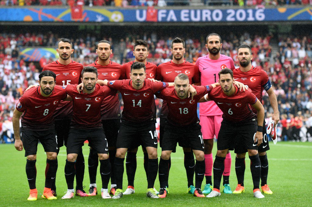 PARIS, FRANCE - JUNE 12: Turkey players line up for the team photos prior to the UEFA EURO 2016 Group D match between Turkey and Croatia at Parc des Princes on June 12, 2016 in Paris, France. (Photo by Mike Hewitt/Getty Images)