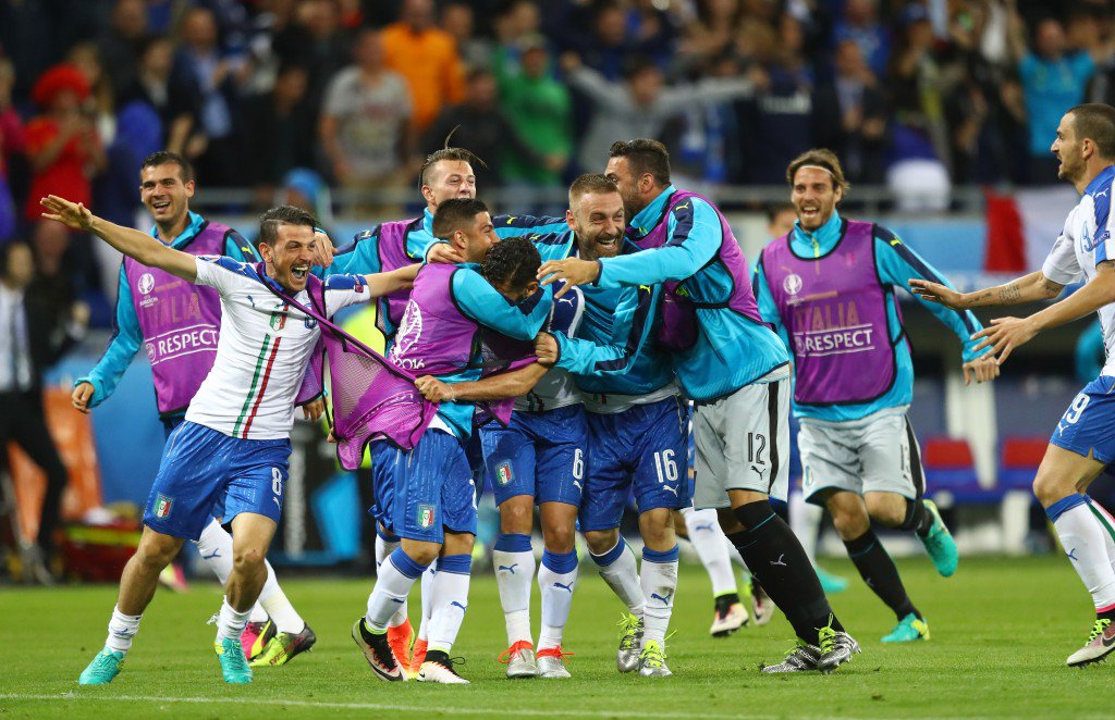 LYON, FRANCE - JUNE 13: Italy players celebrate their team