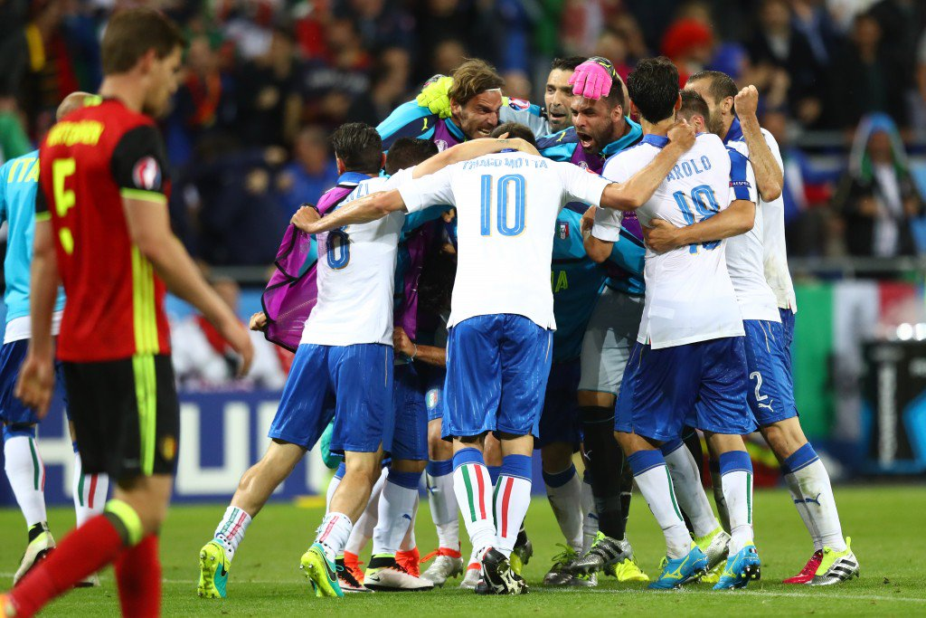 LYON, FRANCE - JUNE 13: Italy players celebrate their second goal during the UEFA EURO 2016 Group E match between Belgium and Italy at Stade des Lumieres on June 13, 2016 in Lyon, France. (Photo by Julian Finney/Getty Images)