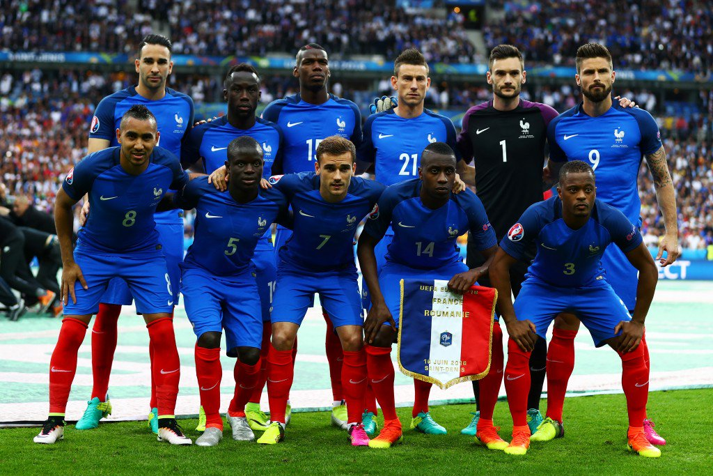 PARIS, FRANCE - JUNE 10: France players line up for the team photos prior to the UEFA Euro 2016 Group A match between France and Romania at Stade de France on June 10, 2016 in Paris, France. (Photo by Clive Rose/Getty Images)