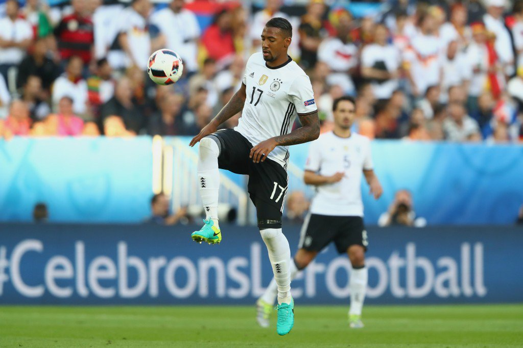 BORDEAUX, FRANCE - JULY 02: Jerome Boateng of Germany runs with the ball during the UEFA EURO 2016 quarter final match between Germany and Italy at Stade Matmut Atlantique on July 2, 2016 in Bordeaux, France. (Photo by Alexander Hassenstein/Getty Images)