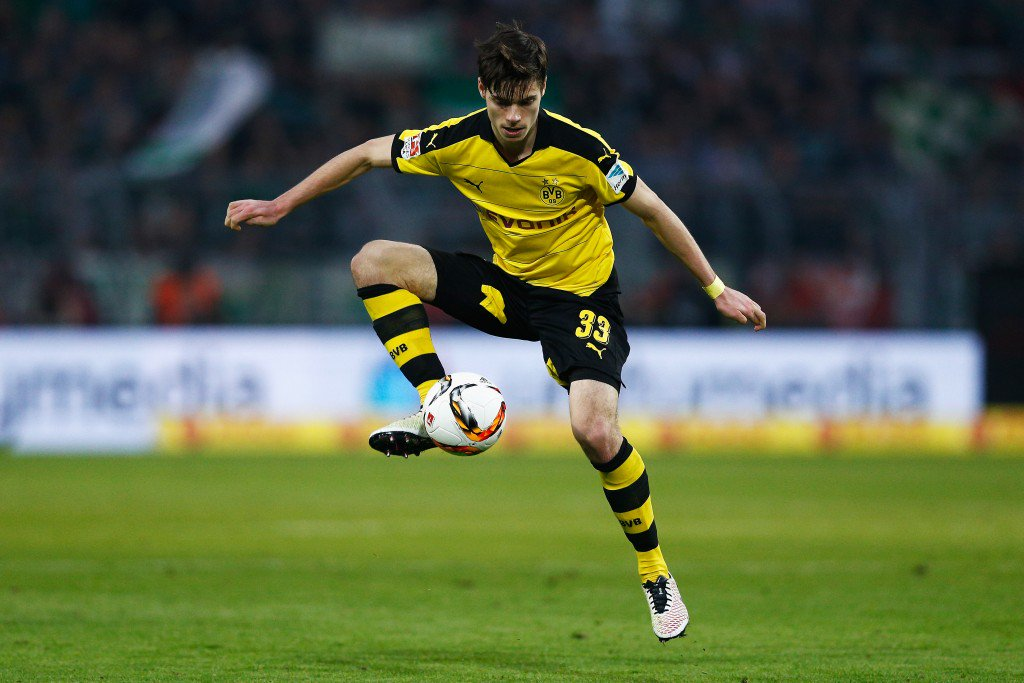 DORTMUND, GERMANY - APRIL 02: Julian Weigl of Borussia Dortmund in action during the Bundesliga match between Borussia Dortmund and Werder Bremen at Signal Iduna Park on April 2, 2016 in Dortmund, Germany. (Photo by Dean Mouhtaropoulos/Bongarts/Getty Images)