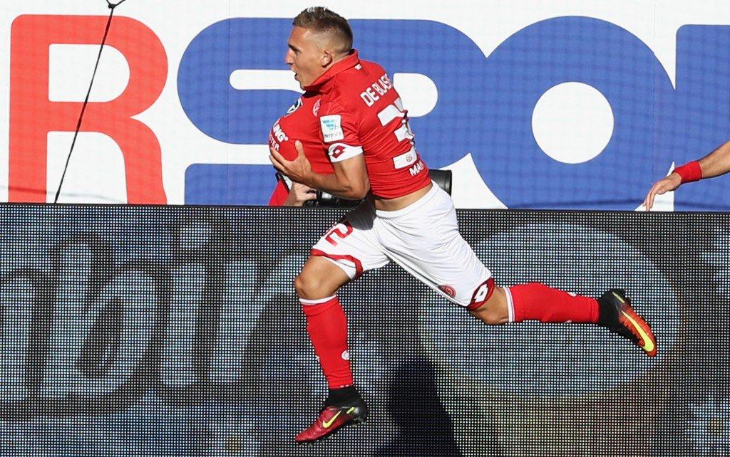 MAINZ, GERMANY - SEPTEMBER 11: Pablo de Blasis of Mainz celebrates his team