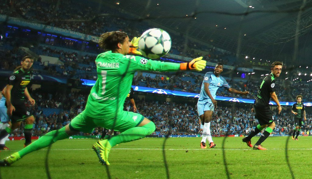 MANCHESTER, ENGLAND - SEPTEMBER 14: Kelechi Iheanacho of Manchester City scores his teams fourth past Yann Sommer of Borussia Moenchengladbach during the UEFA Champions League match between Manchester City FC and VfL Borussia Moenchengladbach at Etihad Stadium on September 14, 2016 in Manchester, England. (Photo by Richard Heathcote/Getty Images)