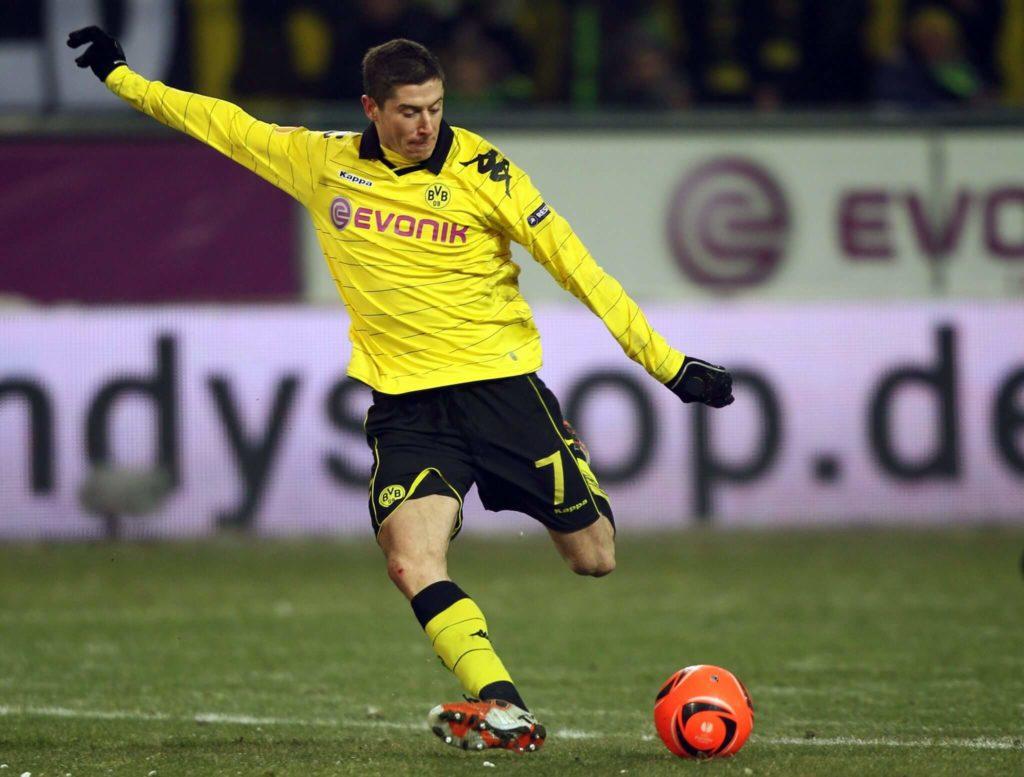 Mit 23 wirbelte Robert Lewandowski im Trikot der Dortmunder Borussia. Foto: Getty Images