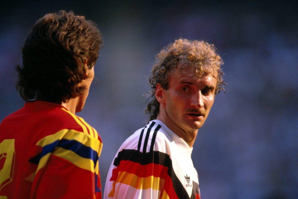 Andrés Escobar (links) mit Rudi Völler. Foto: Imago