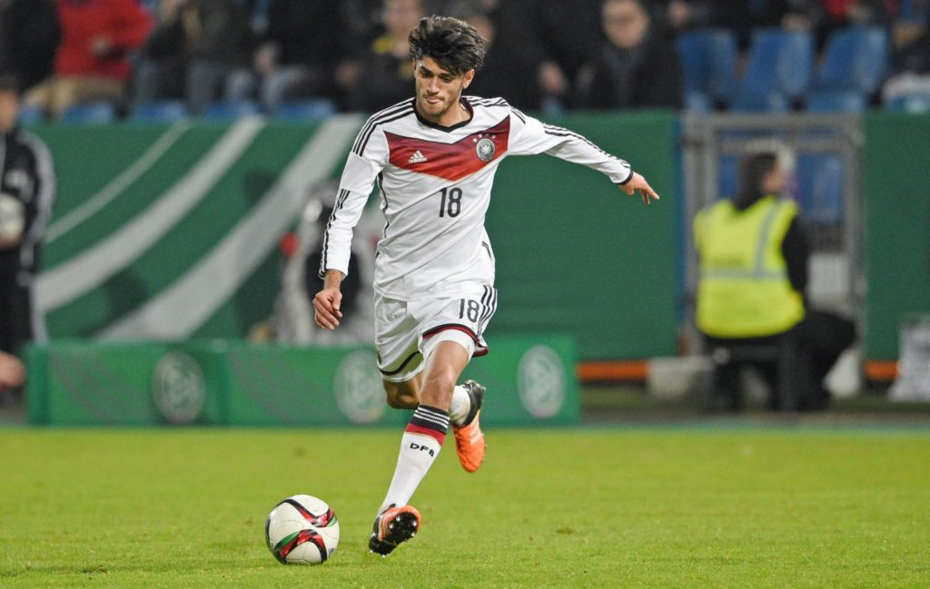 Mo Dahoud im Dress der deutschen U19 Nationalmannschaft.