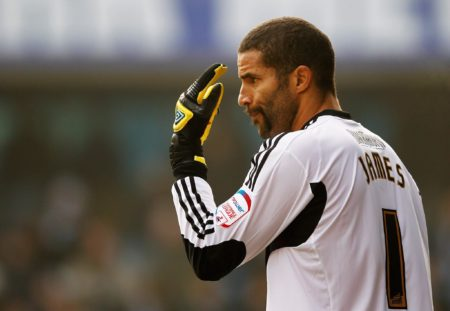 David James wird in England Calamity-James, also Fiesematenten-James, genannt. Foto: Getty Images