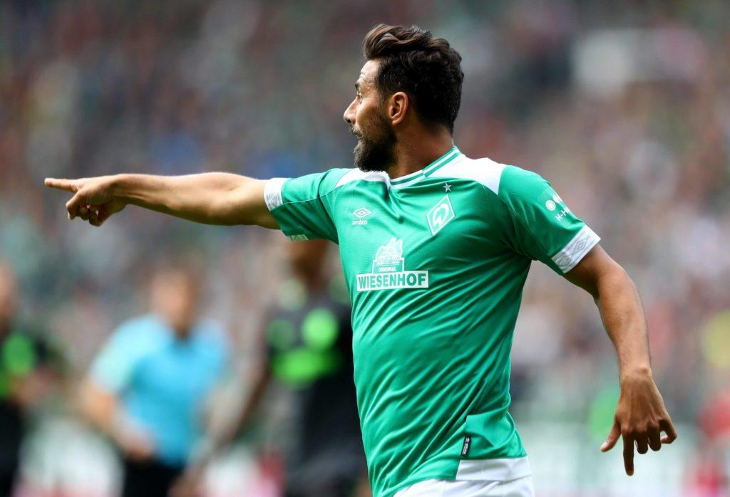 Spielt Claudio Pizarro bis Ende der Saison 2018/19, purzelt es Rekorde. Foto: Getty Images