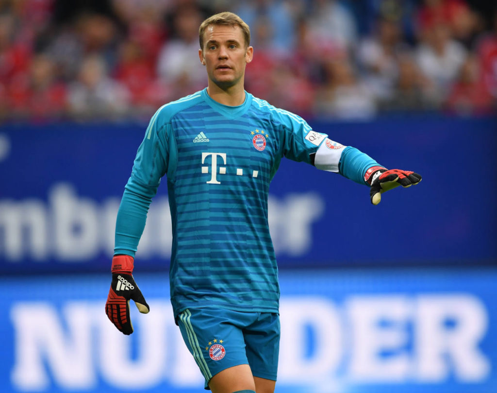 HAMBURG, GERMANY - AUGUST 15: Manuel Neuer of Muenchen gestures during the friendly match between Hamburger SV and Bayern Muenchen at Volksparkstadion on August 15, 2018 in Hamburg, Germany.