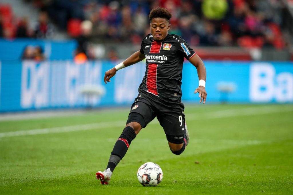 Leon Bailey steht offenbar vor einem Wechsel von Bayer Leverkusen zum FC Bayern München.
