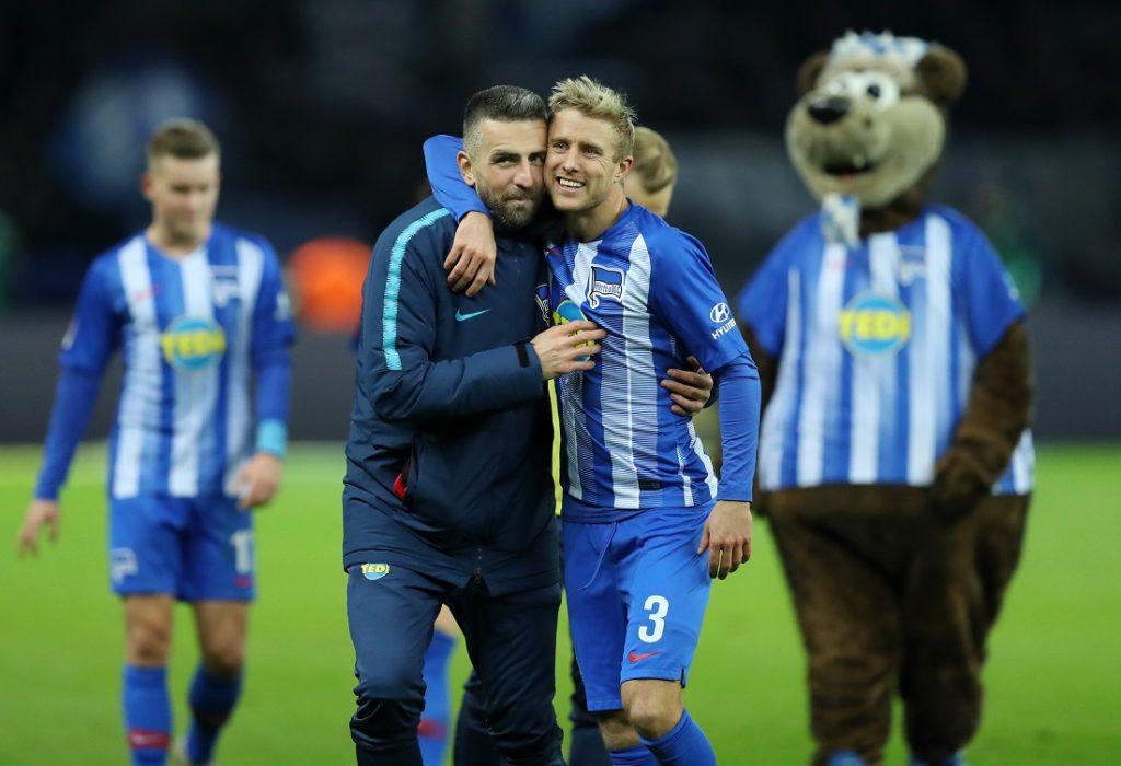 Ibisevic und Skljelbred feiern einen Hertha Sieg.