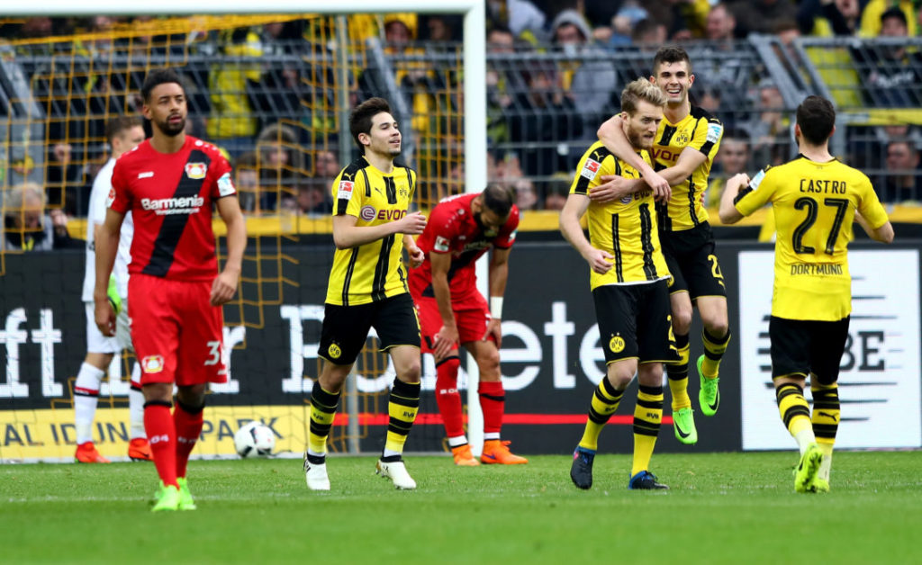 André Schürrle bejubelt einen Treffer für Borussia Dortmund gegen seinen Ex-Klub Bayer 04 Leverkusen.
