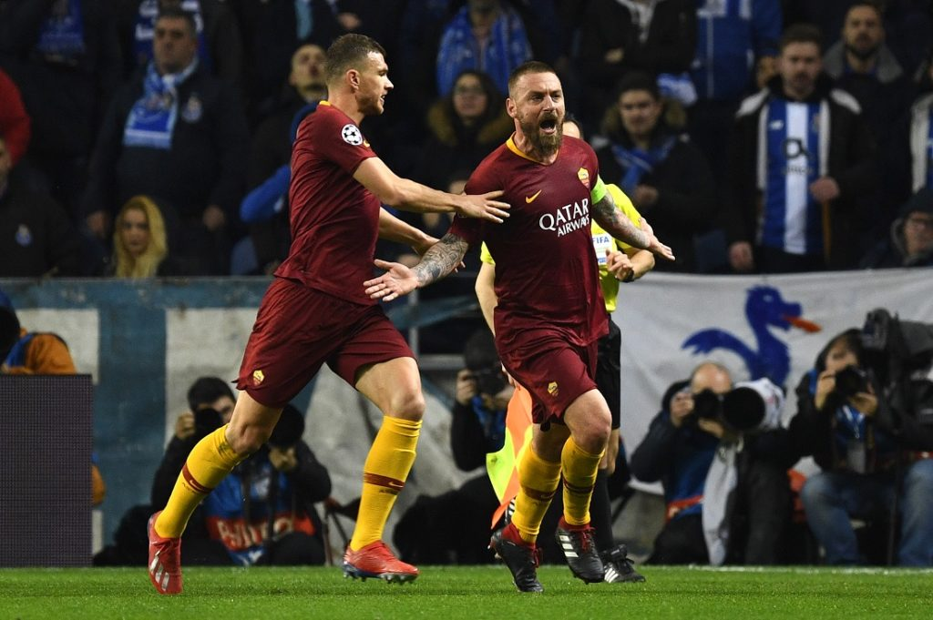 PORTO, PORTUGAL - MARCH 06: Daniele De Rossi of AS Roma celebrates after scoring his sides first goal during the UEFA Champions League Round of 16 Second Leg match between FC Porto and AS Roma at Estadio do Dragao on March 06, 2019 in Porto, Portugal.