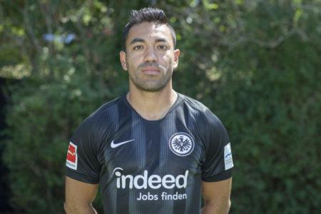 Marco Fabian im Trikot der Eintracht Frankfurt. (Photo by Christof Koepsel/Bongarts/Getty Images)