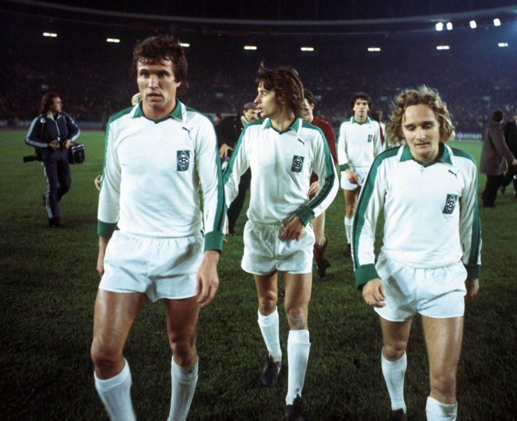 Jupp Heynckes, Horst Wohlers und Allan Simonsen (alle Gladbach) Europapokal der Landesmeister EC 1 1976/1977 / Borussia Mönchengladbach (Gladbach) - AC Turin (FC Torino Calcio) 0:0.