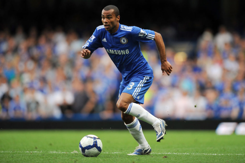 LONDON, ENGLAND - SEPTEMBER 20: Ashley Cole of Chelsea in action during the Barclays Premier League match between Chelsea and Tottenham Hotspur at Stamford Bridge on September 20, 2009 in London, England.