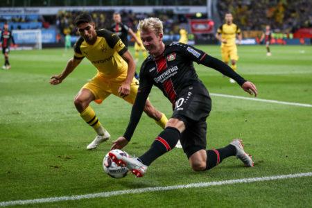 Julian Brandt von Bayer Leverkusen, hier im Liga-Duell am 29. September 2018, hat anscheinend das Interesse von Borussia Dortmund geweckt. (Photo by Maja Hitij/Bongarts/Getty Images)