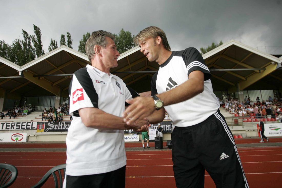 """""""I met you before somewhere! """" – Gladbach-Manager Jupp Heynckes (l.) and Lars Leese, in 2006."""