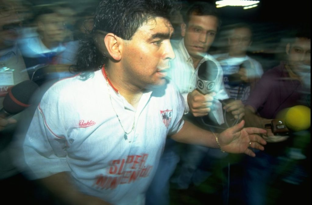 They never come back? Not with Diego Armando Maradona! On September 28, 1992, the Argentinian celebrated his return to professional football at FC Sevilla.
