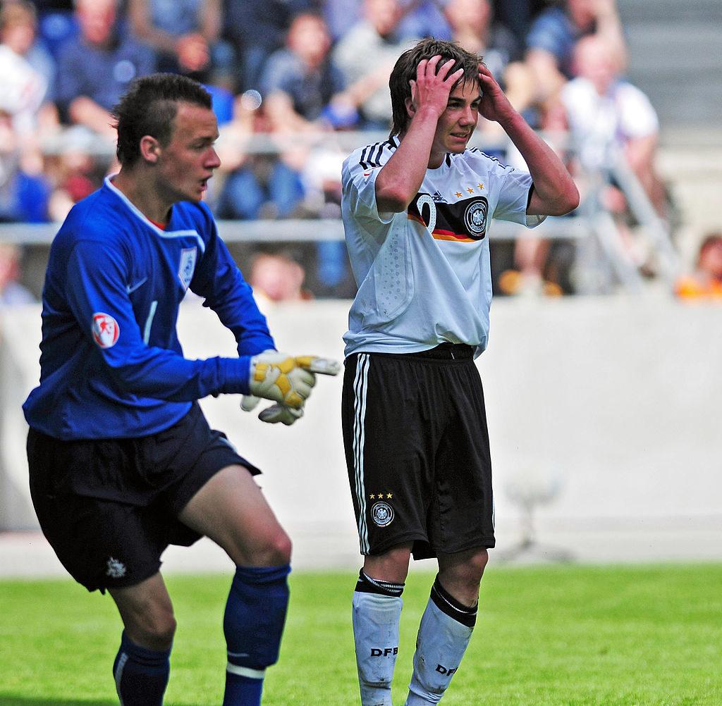 Mario Götze (r.(r.) in seinem ersten großen Finale, U17 Europameisterschaft 2009 gegen die Niederlande (2:1).