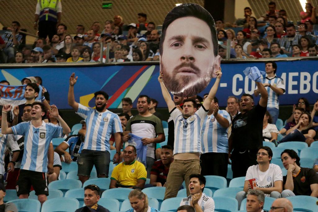 Die Liebe der argentinischen Fans zu Lionel Messi ist trotz der durchwachsenen Copa América ungebrochen...
