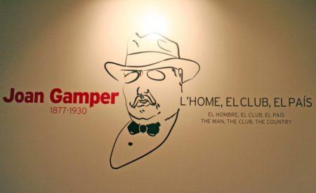 Ehrentafel für Gründungsmitglied Joan Gamper im Vereinsmuseum des FC Barcelona.