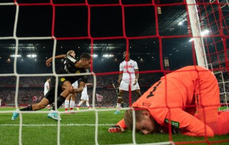 Achraf Hakimi drehte die Partie beim 1. FC Köln mit seinem Kopfballtor zum 2:1 zugunsten von Borussia Dortmund.