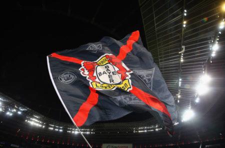 Bayer Leverkusen Fahne im Jahr 2016.