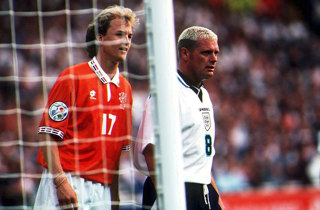 Johan Jordi Cruyff (l., hier bei der EURO 1996 in England gegen Paul Gascoigne) machte insgesamt 9 Länderspiele für Holland.