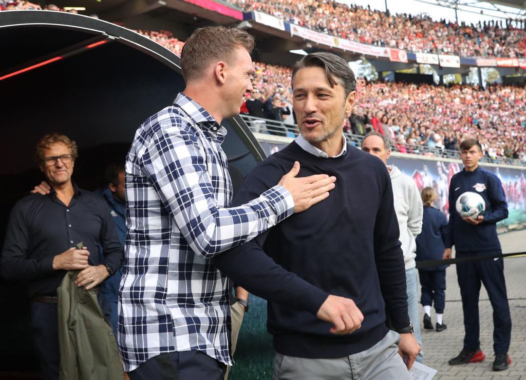 Freundliche Begrüßung der beiden Trainer, Julian Nagelsmann (l.) von RB Leipzig und Niko Kovac vom FC Bayern München vor dem Spiel am 14. September 2019.