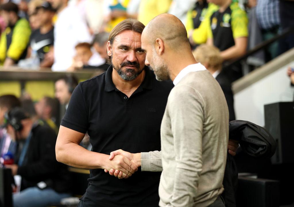 Herzliches Shakehands vor dem Spiel: Die Trainer Daniel Farke (l.) und Pep Guaridola beim Spiel Norwich City gegen Manchester City am 14. September 2019. Es war der erste Sieg für Farke in der Premier League.