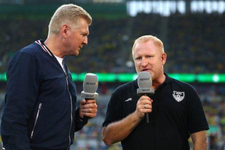 Heiko Vogel (r.), hier im Gespräch mit TV-Experte Stefan Effenberg vor dem Pokalspiel am 9. August in Düsseldorf gegen Borussia Dortmund (0:2), ist nicht mehr Trainer beim KFC Uerdingen...