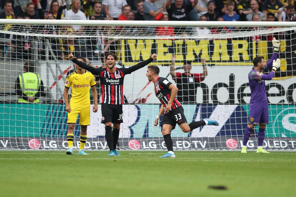 Tor-Premiere: Andre Silva (r.) trifft gegen Borussia Dortmund und für Eintracht Frankfurt zum 1:1.