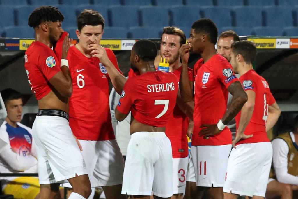 Englands Spieler nach den rassistischen Anfeindungen im EM-Qualifikationsspiel in Sofia gegen Bulgarien (0:6).