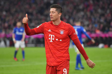 Bayern coach Hansi Flick backs Robert Lewandowski to break Gerd Mueller's record of 40 goals in a single Bundesliga season.