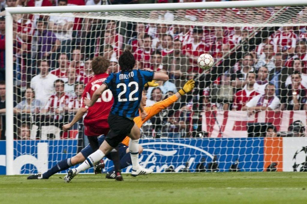 Der Anfang vom Ende. Diego Milito mit dem 1:0 gegen den FC Bayern im Champions League Finale 2010. Inter Mailand schlägt den FC Bayern mit 2:0.