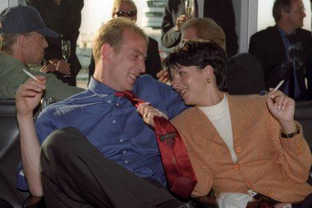 Bayern München ist Deutscher Meister 1997 – und Mario und Claudia Basler gönnen sich eine Sieger-Zigarette.