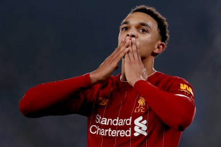 Liverpool's Trent-Alexander Arnold shows why he is one of the best right-backs in world football with some astonishing skills.