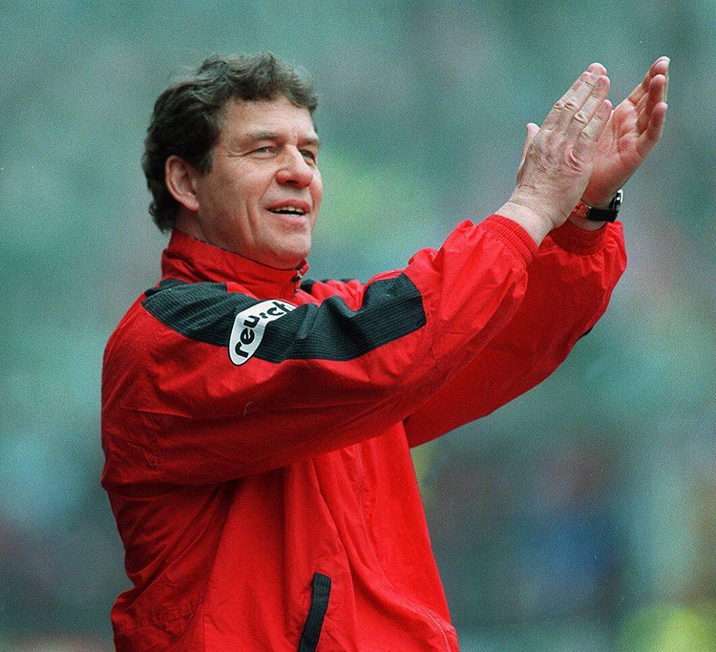 Otto Rehhagel wird Deutscher Meister mit dem 1. FC Kaiserslautern.