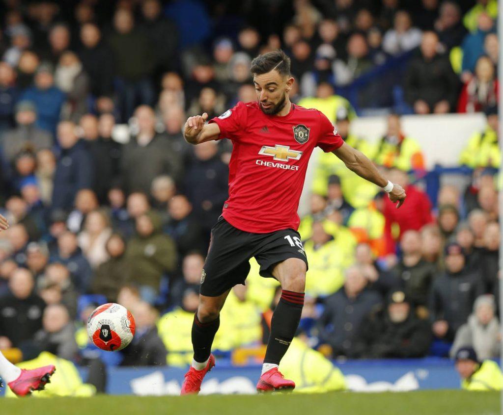 FIFA investigating deal for Man United midfielder