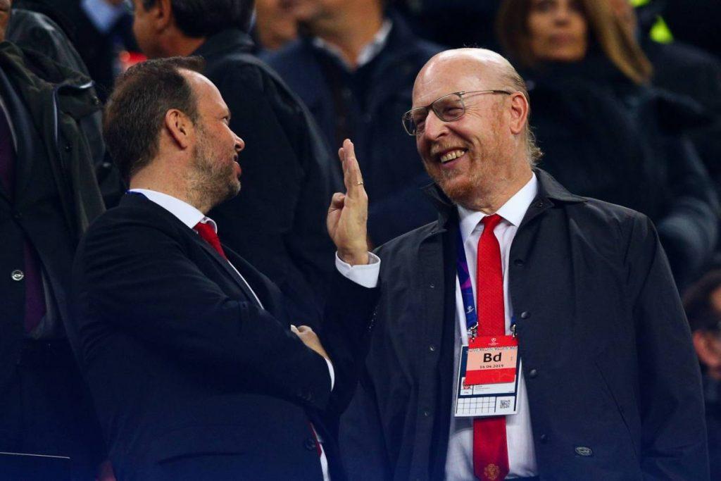 Manchester United target three deals