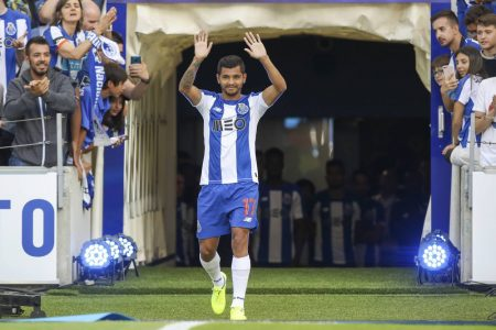 Mexican midfielder reportedly a Chelsea target