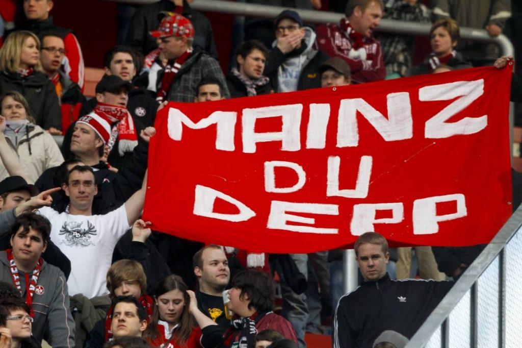 Wenn es gegen Mainz 05 geht, wie hier 2012 in der Coface Arena, nimmt man es in Kaiserslautern mit der Grammatik nicht so genau.